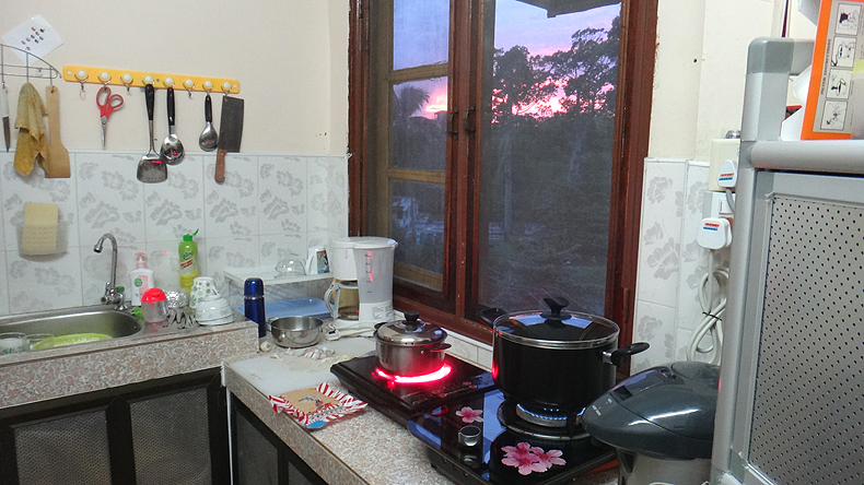 PB_22062013_kitchen.jpg