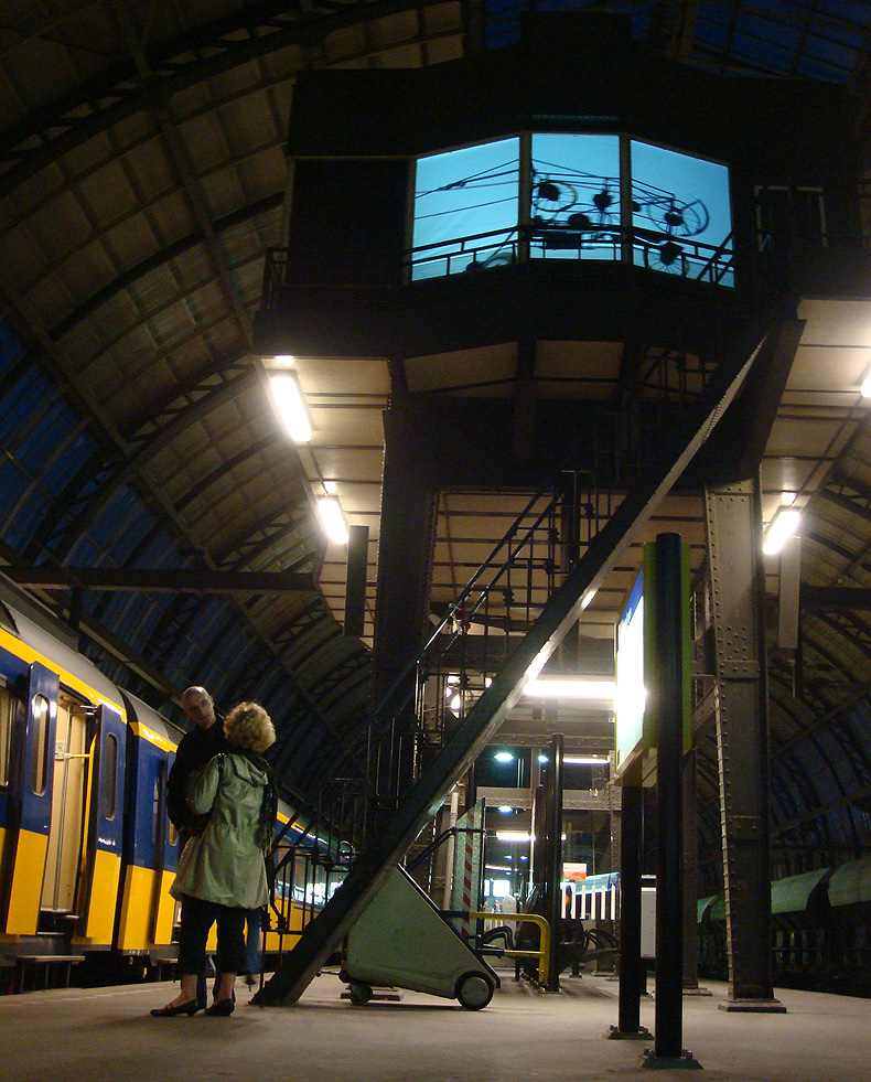 art_amsterdam_station.jpg